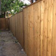 Clôture  Que ce soit en bois, en maillon de chaîne ou PVC, votre clôture donnera de l'élégance et de l'intimité à votre résidence.
