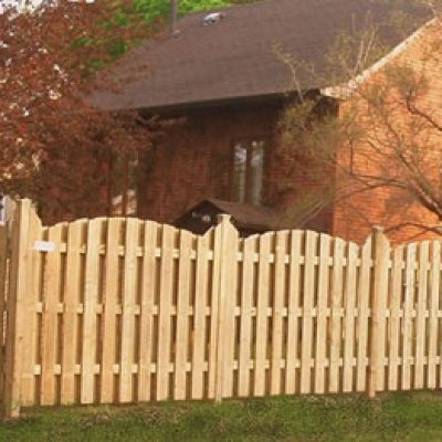 Whether wood, chainlink or PVC, your fence will give elegance and privacy to your home.